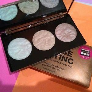 Makeup Revolution Strobe Lighting Palette NIB